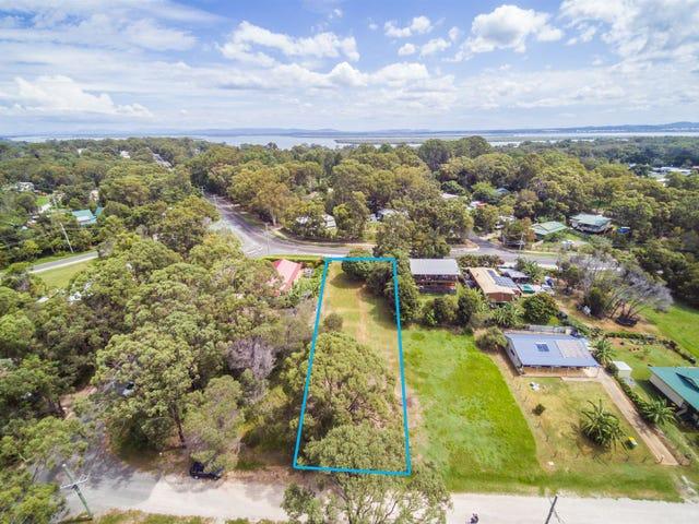 104 High Central Rd, Macleay Island, Qld 4184