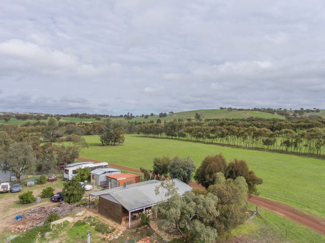 11 Fettlers Lane, Spencers Brook, WA 6401
