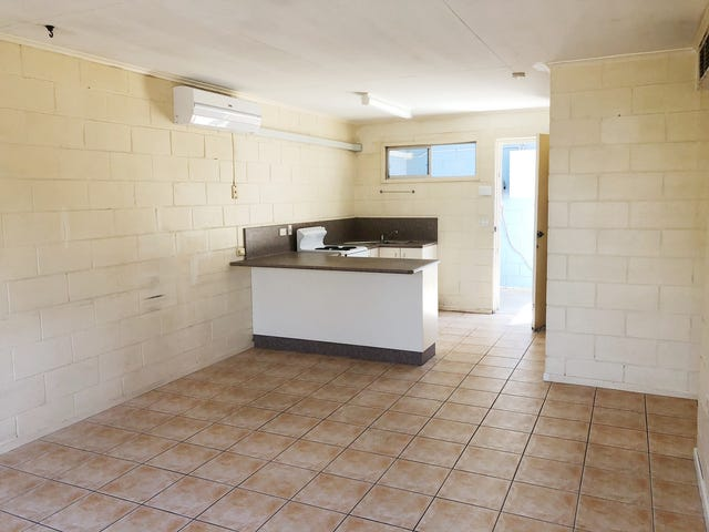 2/5 Elliot Avenue, Mount Isa, Qld 4825