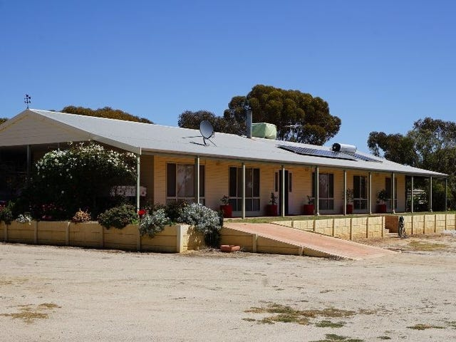 15 Dolton Way, Merredin, WA 6415
