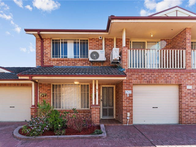 7/5 Corella Road, Green Valley, NSW 2168