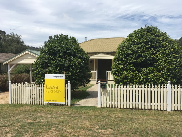 10 Henderson Avenue, Mittagong, NSW 2575