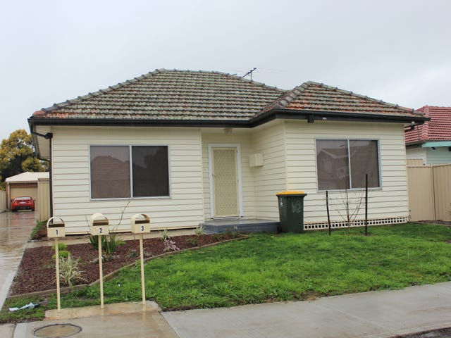 1/10 Pennell Avenue, St Albans, Vic 3021