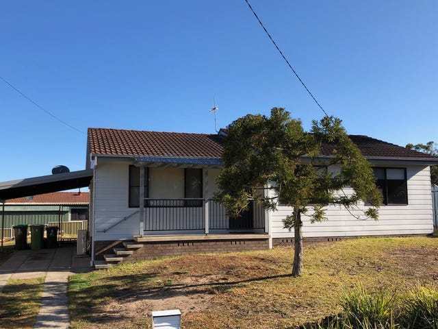 4 Claridge Crescent, San Remo, NSW 2262