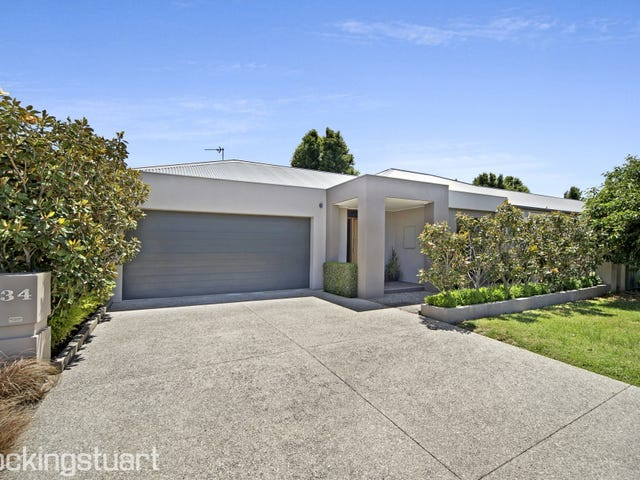 34 St Andrews Place, Lake Gardens, Vic 3355