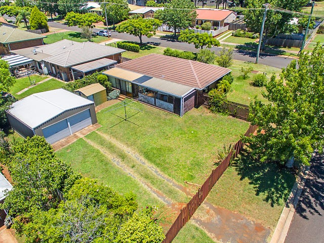 23 Champagne Crescent, Wilsonton Heights, Qld 4350