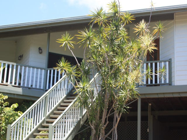 43 Compass Crescent, Nelly Bay, Qld 4819