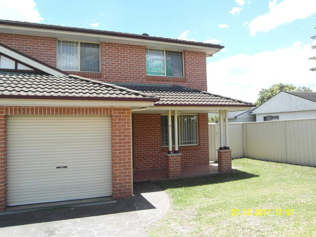 2/303 Macquarie St, South Windsor, NSW 2756
