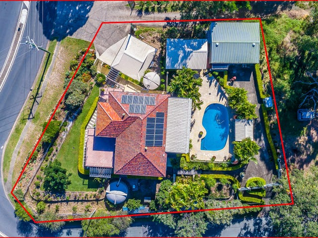 8 Rogers Parade West, Everton Park, Qld 4053