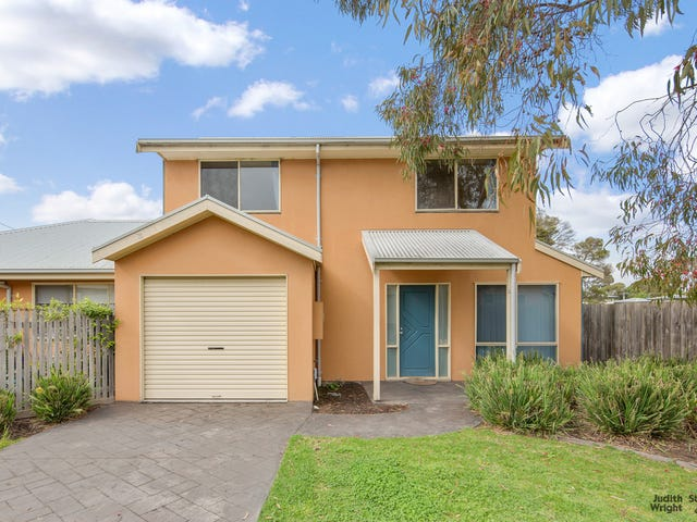 2/6 Hollydene Court, Cowes, Vic 3922