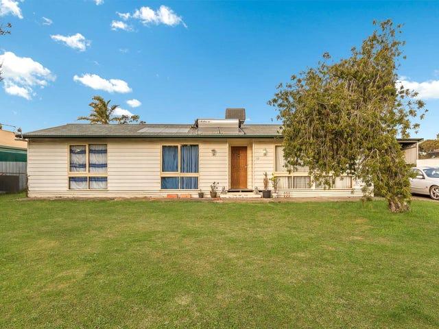 10 Pine Grove, Goornong, Vic 3557