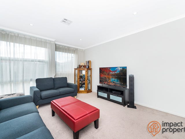 4/12 Helby Street, Harrison, ACT 2914