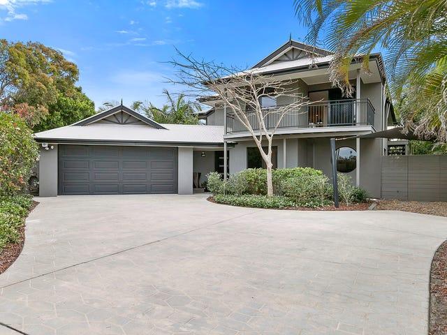 10 Coconut Grove, Castaways Beach, Qld 4567