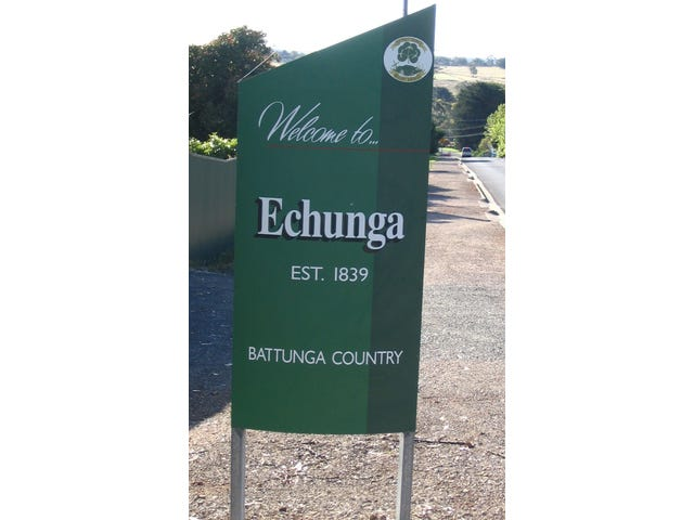 Echunga, address available on request