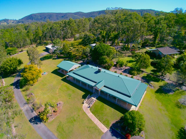 215 IRONBARK DRIVE, Woodford, Qld 4514