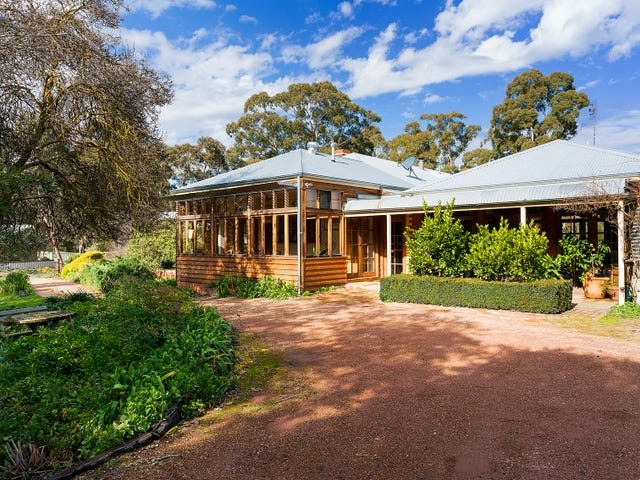 101 Diamond Gully Road, McKenzie Hill, Vic 3451