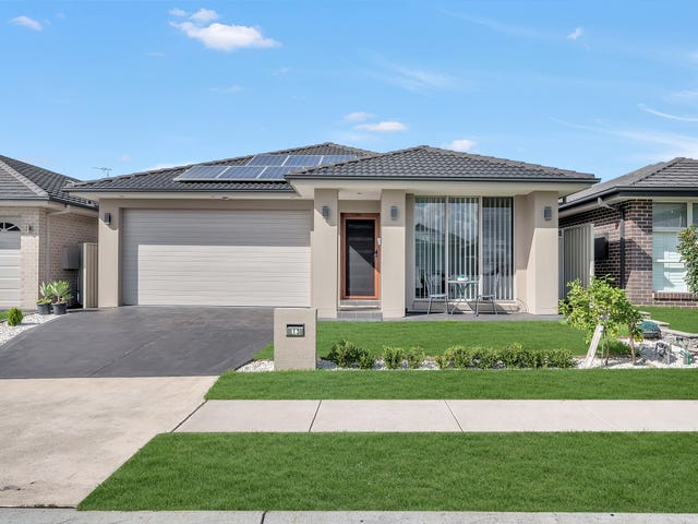 13 Follet Avenue, Middleton Grange, NSW 2171