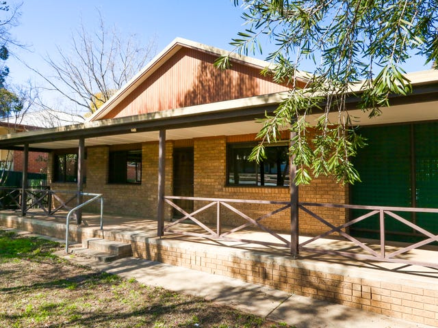 10 Noorebar Avenue, Griffith, NSW 2680