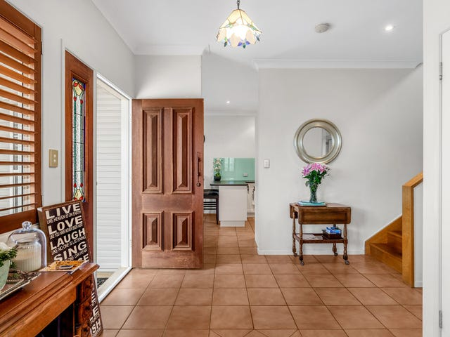 84 Milfoil Street, Manly West, Qld 4179