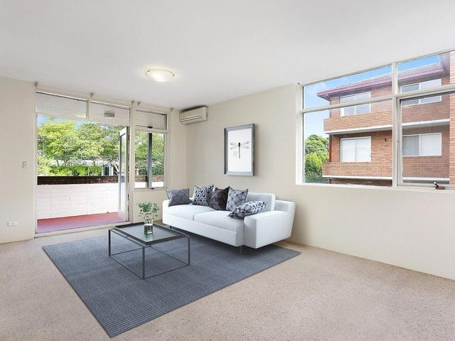 2/15 Edgeworth David Avenue, Hornsby, NSW 2077