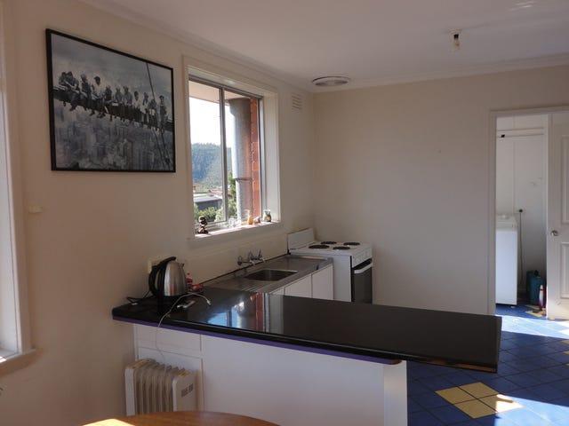 64 Binalong Road, Mornington, Tas 7018