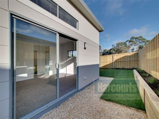9/17 Sandstone Grove, Blackmans Bay, Tas 7052