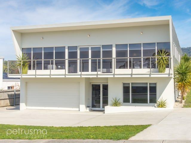 22 Staff Road, Peggy's Beach Estate, Electrona, Tas 7054