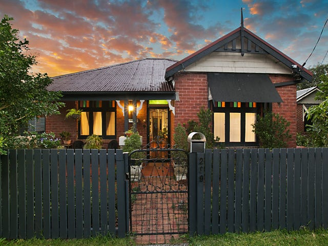 209 Beaumont Street, Hamilton South, NSW 2303