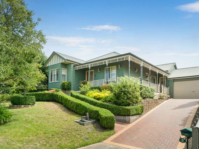 4 Woolmer Court, Frankston South, Vic 3199