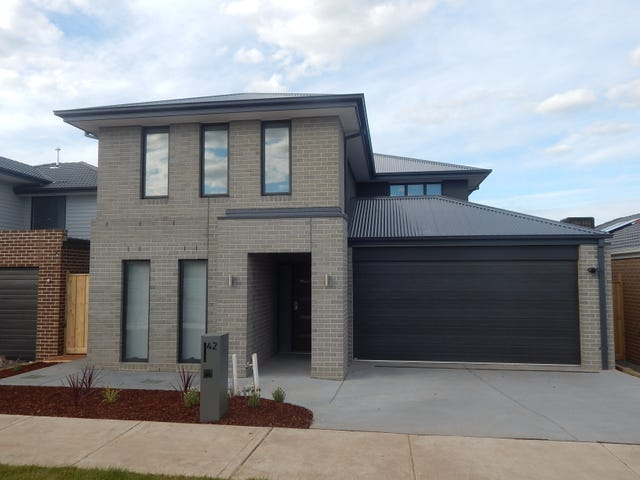 42 Greenslate Street, Clyde North, Vic 3978
