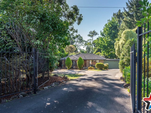 12 Buckmaster Drive, Mount Evelyn, Vic 3796