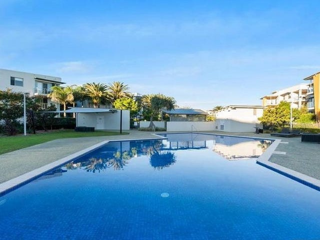 Unit 415/64 Sickle Avenue, Hope Island, Qld 4212