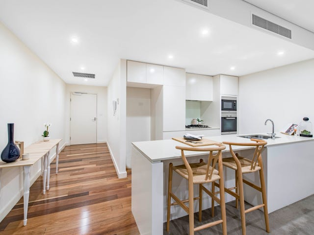 18/21 State Circle, Forrest, ACT 2603