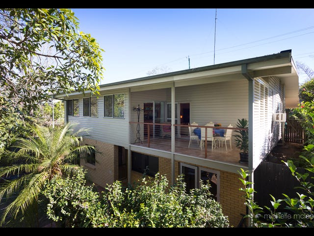239 Chapel Hill Road, Chapel Hill, Qld 4069