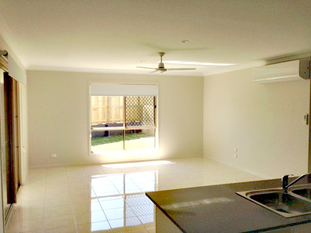 2/6 Goodnight Place, New Auckland, Qld 4680