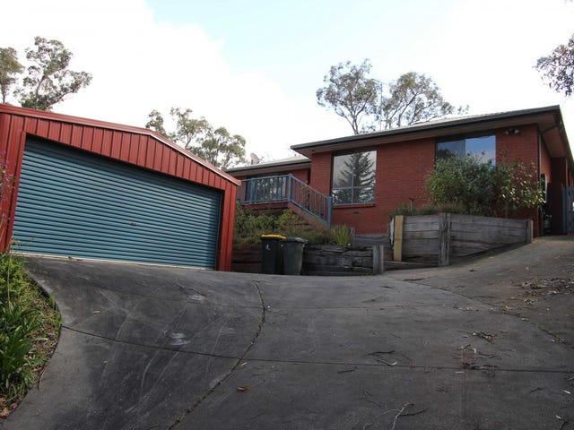 40  Darriwell Drive, Mount Helen, Vic 3350