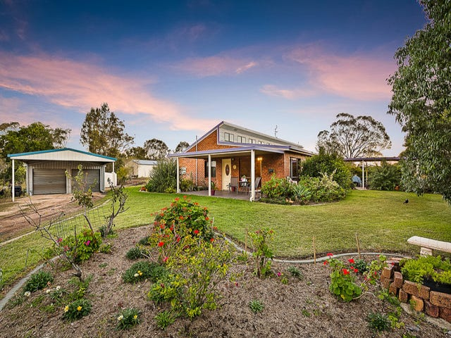46 Golf Course Road, Goombungee, Qld 4354
