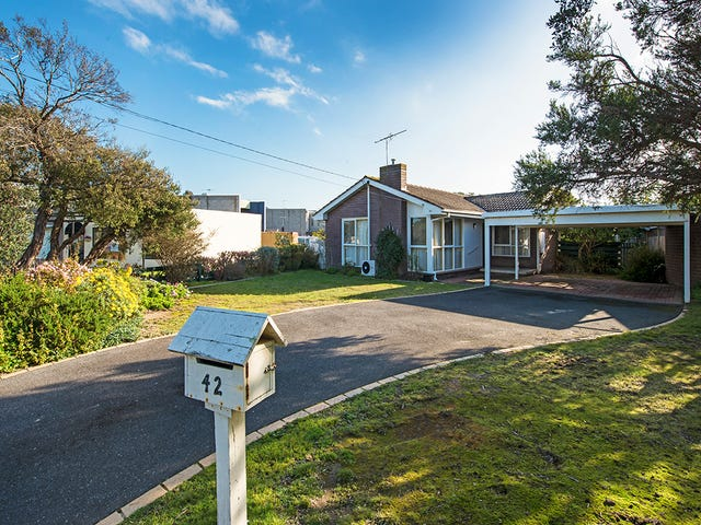 42 Gleneagles Avenue, Mornington, Vic 3931