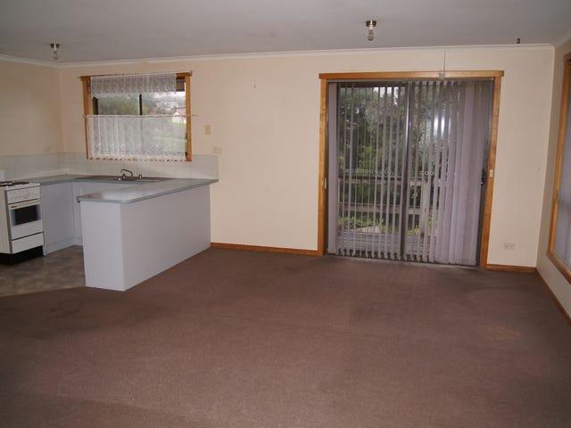 2/4 West Street, Upper Burnie, Tas 7320