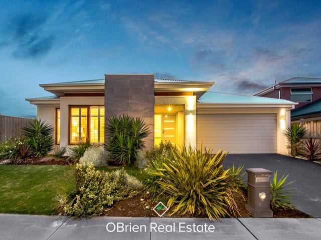 30 Riverstone Boulevard, Clyde North, Vic 3978