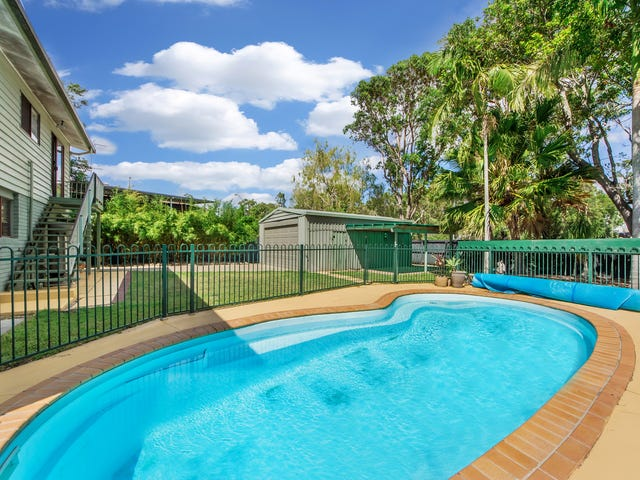 25 Warana Avenue, Southport, Qld 4215