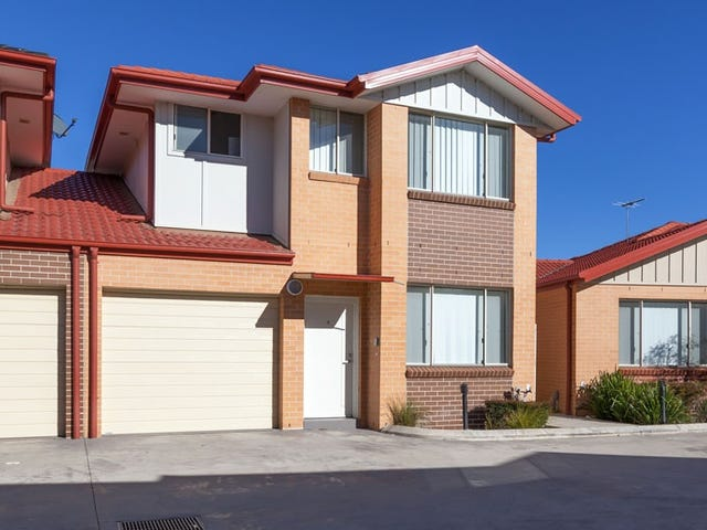 2/221A Waterworth Drive, Mount Annan, NSW 2567