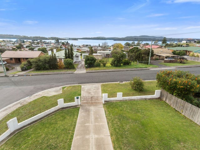 19 Napier Street, Beauty Point, Tas 7270