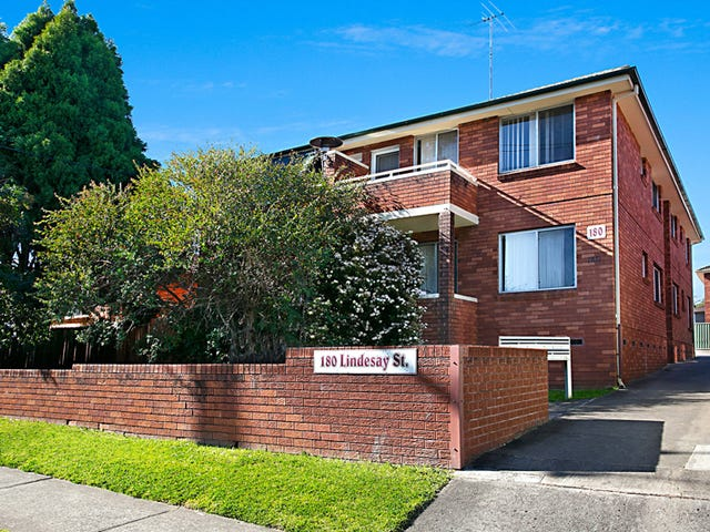 4/180 Lindesay Street, Campbelltown, NSW 2560