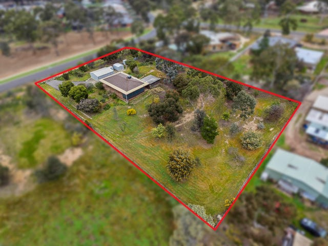 14 Smiths Road, Maiden Gully, Vic 3551