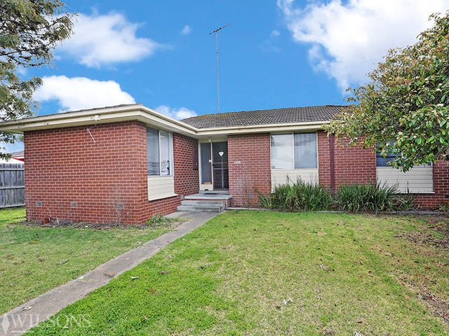 1/3 Armstrong Court, Whittington, Vic 3219