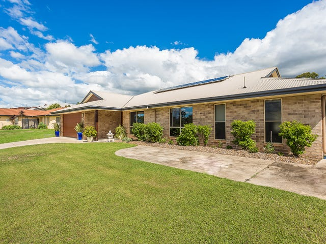 11 Deakin Court, Southside, Qld 4570