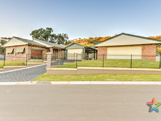 11 Scarborough Close, Tamworth, NSW 2340