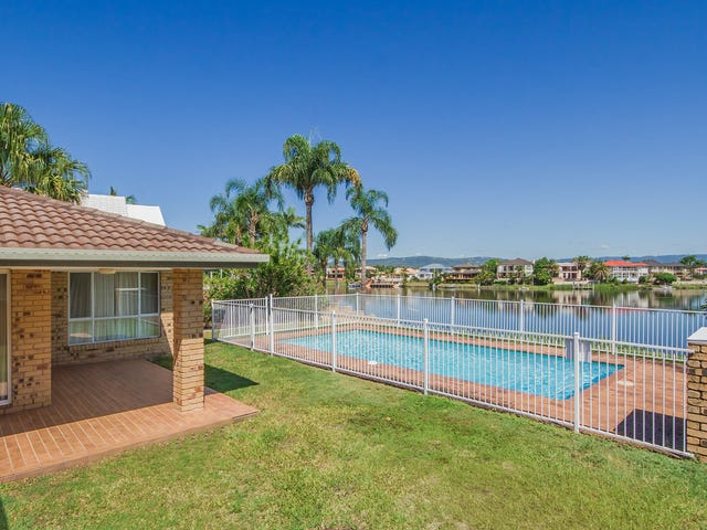 25 Martinique Way, Clear Island Waters, Qld 4226
