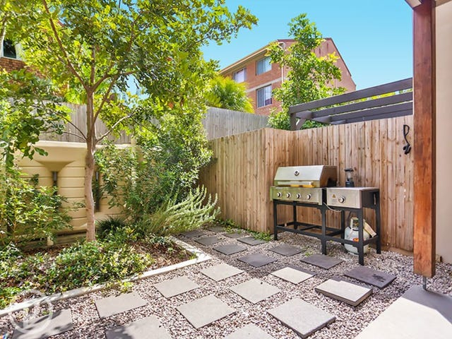 4/23 Elliott Street, Kangaroo Point, Qld 4169